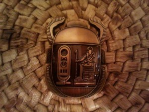 Brown/AntiqueGold Scarab (RE40)